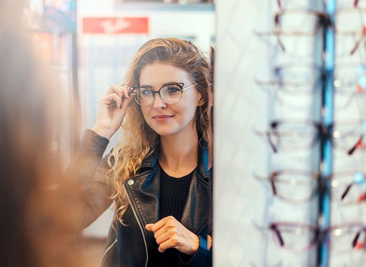 Komplett szemüveg a Bártfalvi Optikánál - 68%-os kupon · maikupon.hu 96576ed34a