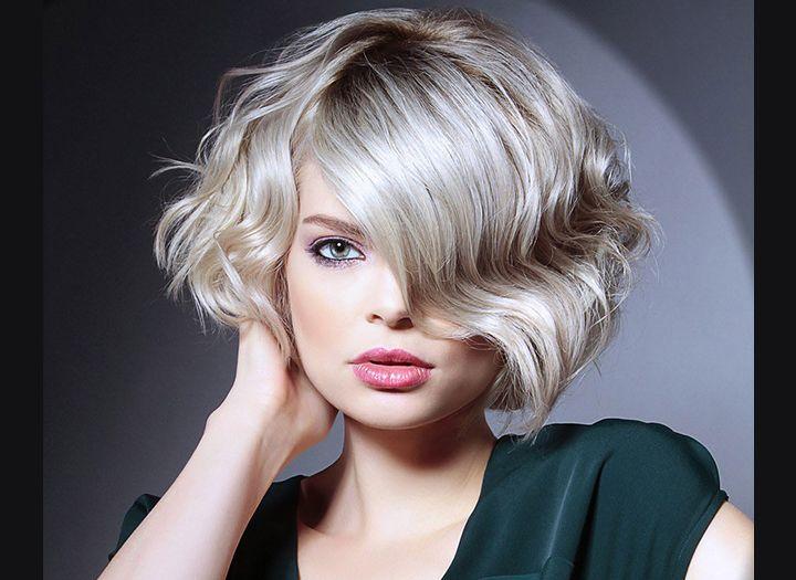 Női rövid frizura megújulás 5760828e9d