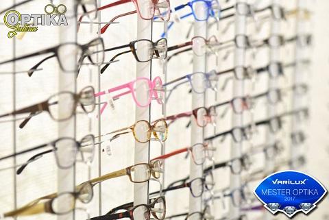 A vevő komplett szemüveget kap  - 1 pár FreeForm multifokális lencsével -  kerettel 5d57a69a5b